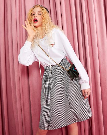 妖精的口袋 2020春夏新女装长袖连衣裙连帽白色宽松通勤卫衣裙