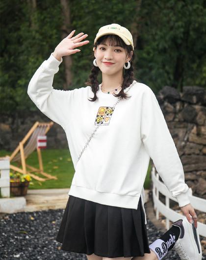 小黄鸭潮牌秋季女生长袖套头卫衣不规则圆领宽松时尚休闲女式卫衣